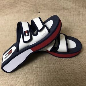 90's throwback Tommy Hilfiger sandals size 7.5
